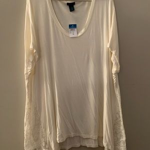 3x cream colored t shirt